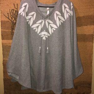 Cacique knit Poncho